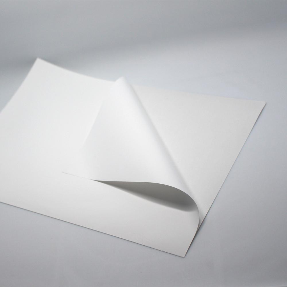 купили 4 листа бумаги
