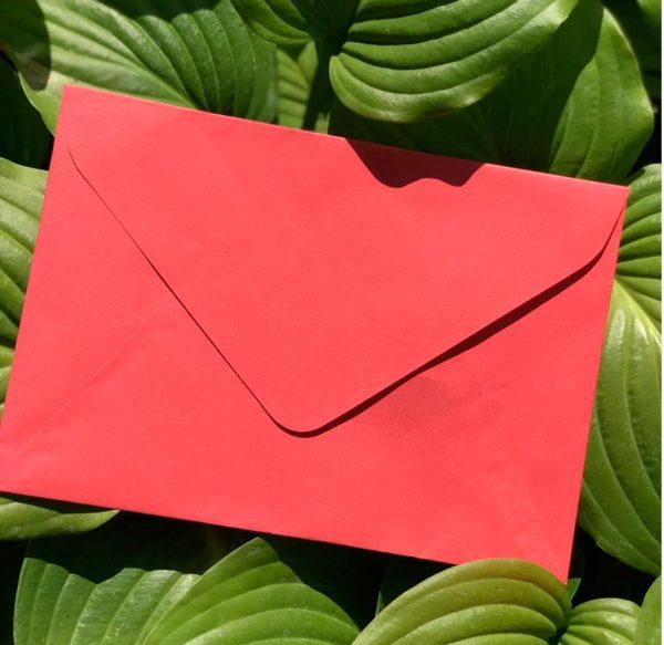 крафт конверт красный купиь