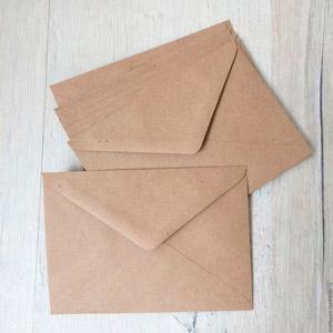 Конверты из бурой крафт бумаги