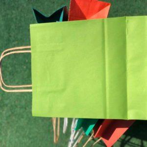 Пакеты бумажные цветные с ручками купить оптом