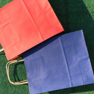 Цветные крафт пакеты с ручками купить от 50 штук