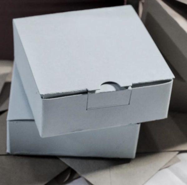 Коробка самосборная белая купить оптом