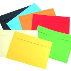 Крафт конверты с клейкой лентой